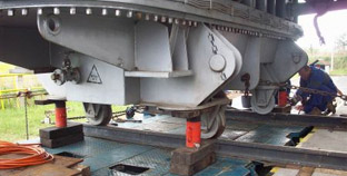 Gantries, Rigging, Skidding and Hydraulic Jacking Systems